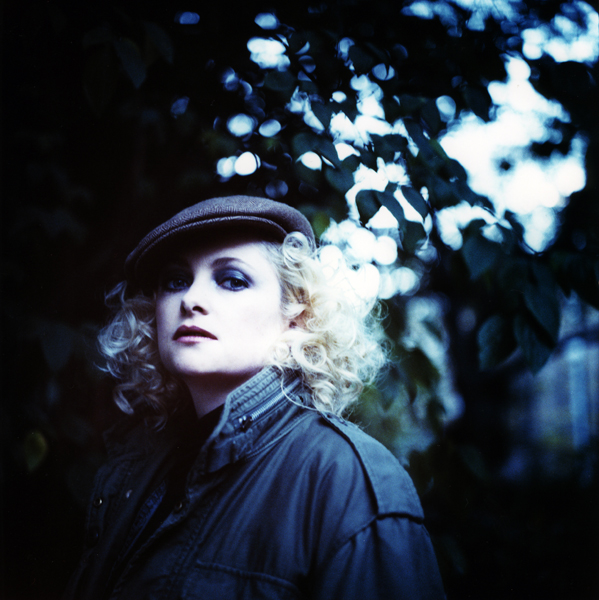 http://www.joedilworth.com/files/gimgs/5_goldfrapp-0200-2.jpg